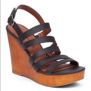 Lucky Brand Larinaa Wedge Heels Leather Straps 8.5